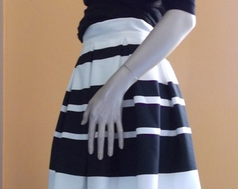 pleated skirt, knee-length skirt, skirt with white and black stripes