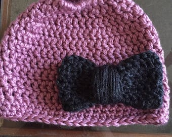 Messy bun hat with bow