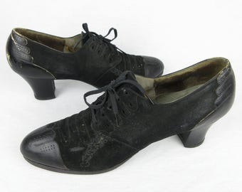 Vintage 1940s / 1930s Womens Shoes, Black Suede and Leather Lace Up , Wearable Size / Swing Dance