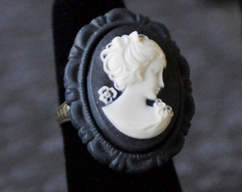 Cameo Ring, Black and White, Cameo Jewelry, Victorian Jewelry, Neo-Victorian, Victoriana