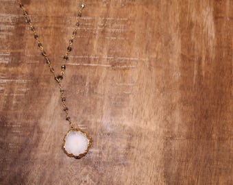 Agate Pendant on Labradorite Rosary  Chain Y Necklace