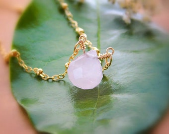 Heart Chakra Necklace, Rose Quartz Necklace, Healing Crystal Necklace, Raw Gemstone Necklace, Minimalist Necklace, Gift for mom