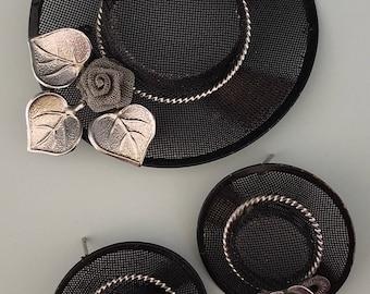 Vintage hat brooch and earrings set.