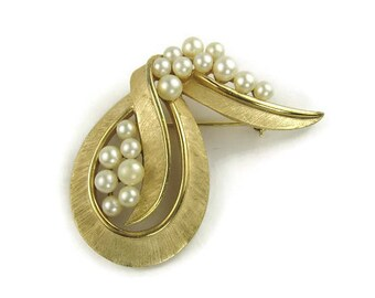 Vintage Trifari Faux Pearl Abstract Brooch