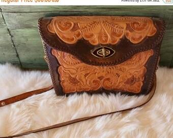 ON SALE Vintage tooled leather purse // reversible leather purse