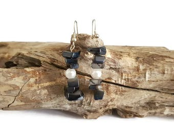 Black natural stones earrings