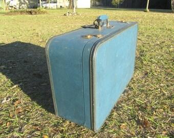 VINTAGE SUITCASE, vintage luggage, suitcase, Travel Bag, Overnight bag, blue suitcase, Vagabond Suit Case