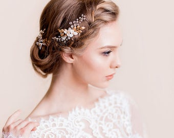 Floral Wedding Hairpiece Lilly - Bridal Hairpins - Bridal Flower Pins with Crystals - Clay Flower Pins - Wedding Hair Accessories