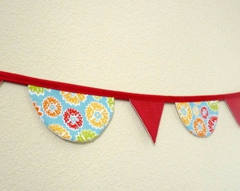 Fabric garland with scallops and triangles