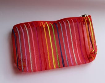 Multicolor red zippered pocket