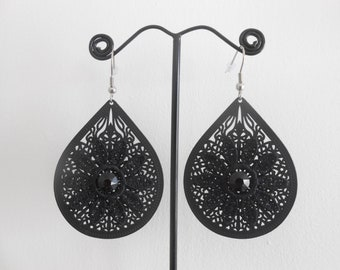 Earrings with Black Lace flowers