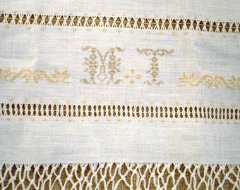 Guest bath towel drawn-thread embroidered and monogram, bath towel in linen fringes as antique