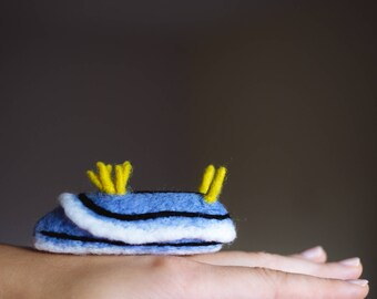 Chromodoris lochi, miniature needle felt nudibranch, wool sea slug sculpture, gift for divers and biologists, Christmas tree ornament