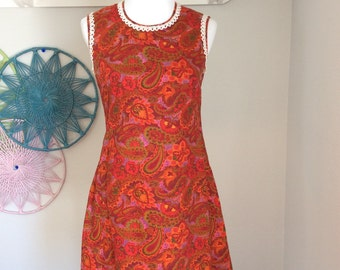 Vintage women's dress red paisley