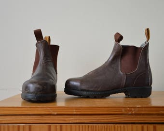 Blundstone boots ~ brown leather steel cap pull on chelsea ankle boots 7.5 AU Men's 9.5 AU womens