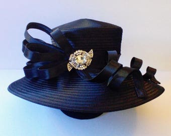 Large Brim Satin Braid Hat (Braid)