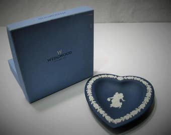 Wedgewood Heart Tray 2492 - Portland Blue Jasperware