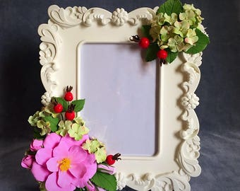 "Photo frame with handmade flowers ""Dogrose"". Size 26 cm x23 cm."