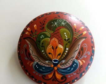 Beautiful Norwegian Rosemaling Brooch