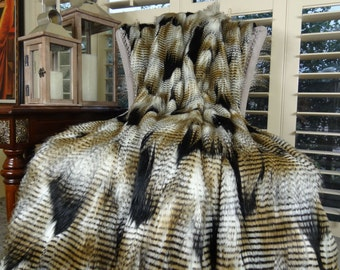 Black Gold White Fur Throw Blanket & Bedspread - Fancy Feather Fur - White Gold Black Feather Faux Fur Throw Blanket and Bedspread - 16407