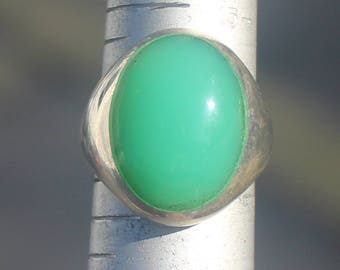 Natural Green Chrysprase set in a Sterling Silver Ring, Size 7