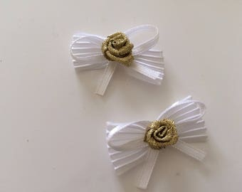 Small bow tie 2 * 4 cm white with Golden roses
