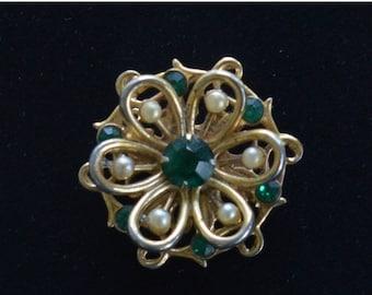 On sale Pretty Vintage Emerald Green Rhinestone, Seed Pearl Brooch, Small, Gold tone (G3)