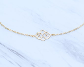 Dainty Gold Charm Necklace / Boho Chic Minimalist Layering
