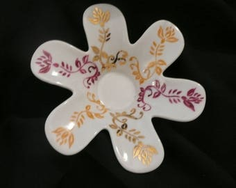 Candle holder-flower (hand painted porcelain): Indian motif, gold, Plum, Tan