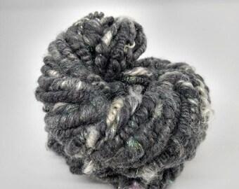 Handspun super bulky art yarn - Supercoiled yarn - Merino/Silk/Mohair - Gray, white, sparkly