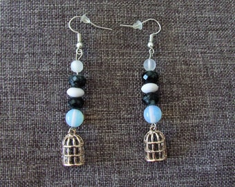 Earrings grey and white
