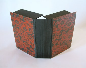 Clamshell  box -4x6x2in. -  Black and red  lacquered yuzen - Ready to ship