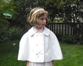 Vintage Girl's Clothes, 1960's Ivory Faux Fur Girl's Capelet, Vintage Ivory Girl's Capelet, Girl's Ivory Cape, Girl's Cape, Size 5-6