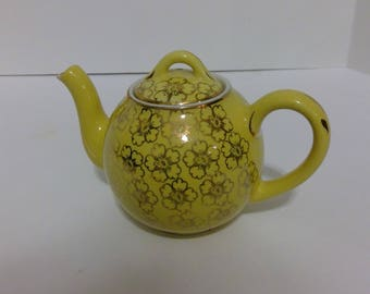 Hall Yellow Teapot, Small Tea Pot, Gold Decorations, 2 Cup Tea Server, Hot Water Server, Collectable Kitchen Decor, Dining Room Decor