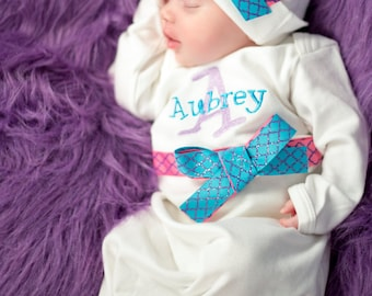 Newborn girl take home outfit, personalized baby girl coming home outfit, baby name gown, baby shower gift for girls, Turquoise hot pink