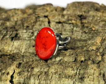 Ring with oval red stone-adjustable