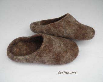 Mens felt slippers Felted wool slippers Eco friendly shoes Men slippers Warm bedroom slippers Minimalist Natural wool Melange Made to order