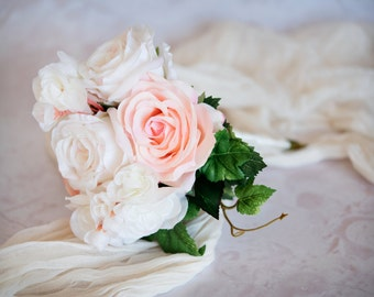 Mini Rose and Begonia Bouquet