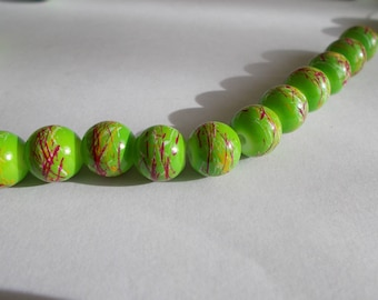 1 set of 20 Apple green and red glass beads