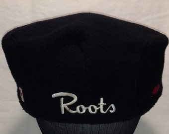 Vintage Roots Athletics Beaver Canadian Red Maple Leaf Newsboy Cap Size M Hat T93 D7068