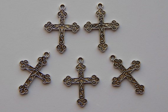 5 Pieces of Jewelry Bead Pendants - 31mm Antique Silver Color Religious Cross, Scrolling Vine Detail, Charms, Jesus, Christian