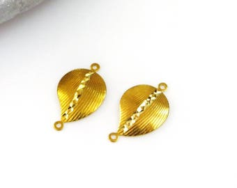 X 2 spacer beads leaf shape, Golden, Central engraving, 22 mm