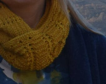 Candle Light Cowl Knitting Pattern (PDF)