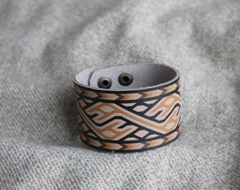 Leather Bracelet with Scandinavian Ornament - Viking Ornament - Viking Accessories - Nordic style