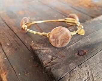 Brown Onyx Disc Bangle, Gold Wire Bangle, Onyx Jewelry, Neutral Bangle Stack, Gemstone Bangles, Brown Gemstones, Onyx Beads, Stone Bangles