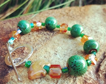 Green and Gold Beaded Bear Bracelet with Toggle Clasp