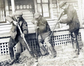 Vintage Snapshot 1928 Men All 3 Point Rifle Guns to Shoot on Target in Grass