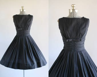 Vintage 1950s Dress / 50s Cotton Dress / Bobbie Brooks Black Dress w/ Ruched Waist S