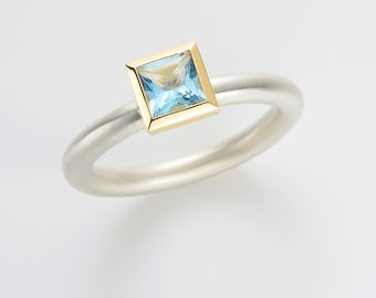 Cocktail ring TOPAZ blue gr. -Silver and 18kt yellow gold