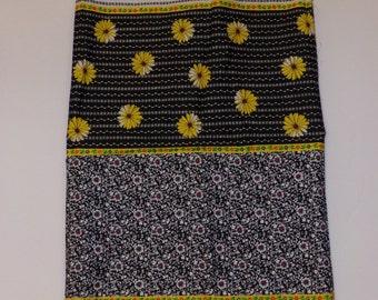 Vintage Leon B. Rosenblatt Textiles Black With Daisies Fabric 5 Yards